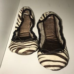 Brown Zebra Print Gap Flats